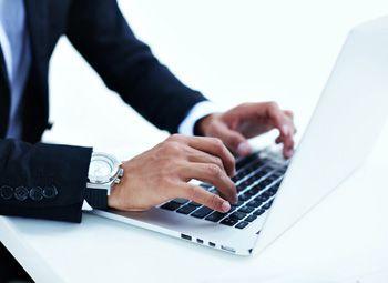 implementering og produktion af annoncer til sociale medier